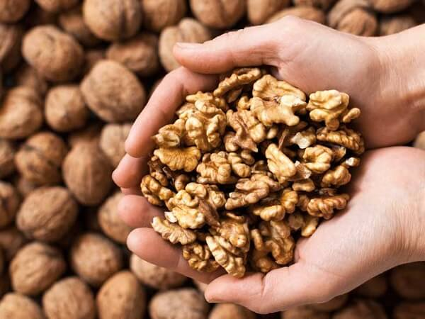 Nutritional facts about walnuts