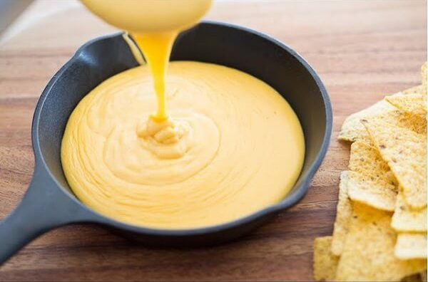 Sauces that contain cheese
